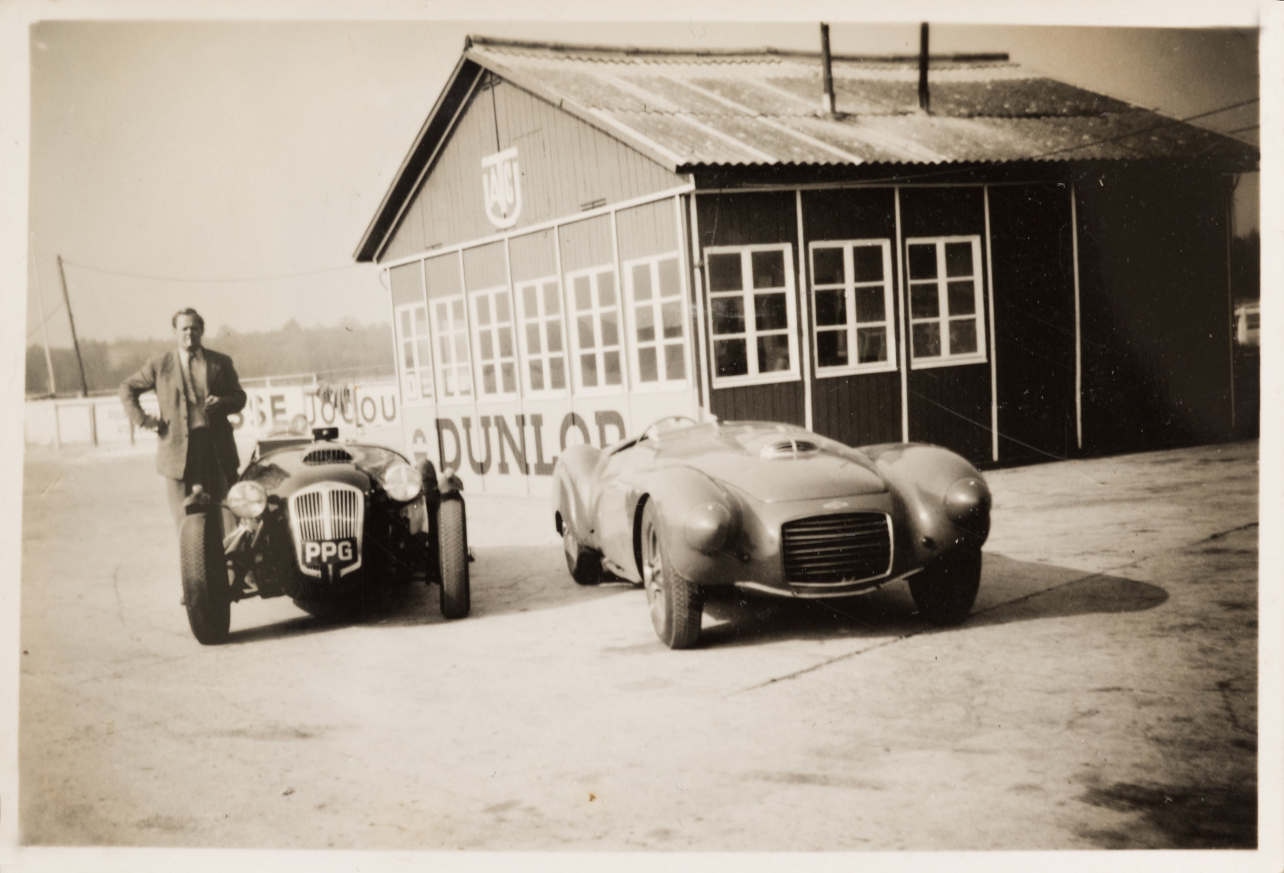 FN155 and the James Manfield Mille Miglia (FN17) at Montlhéry