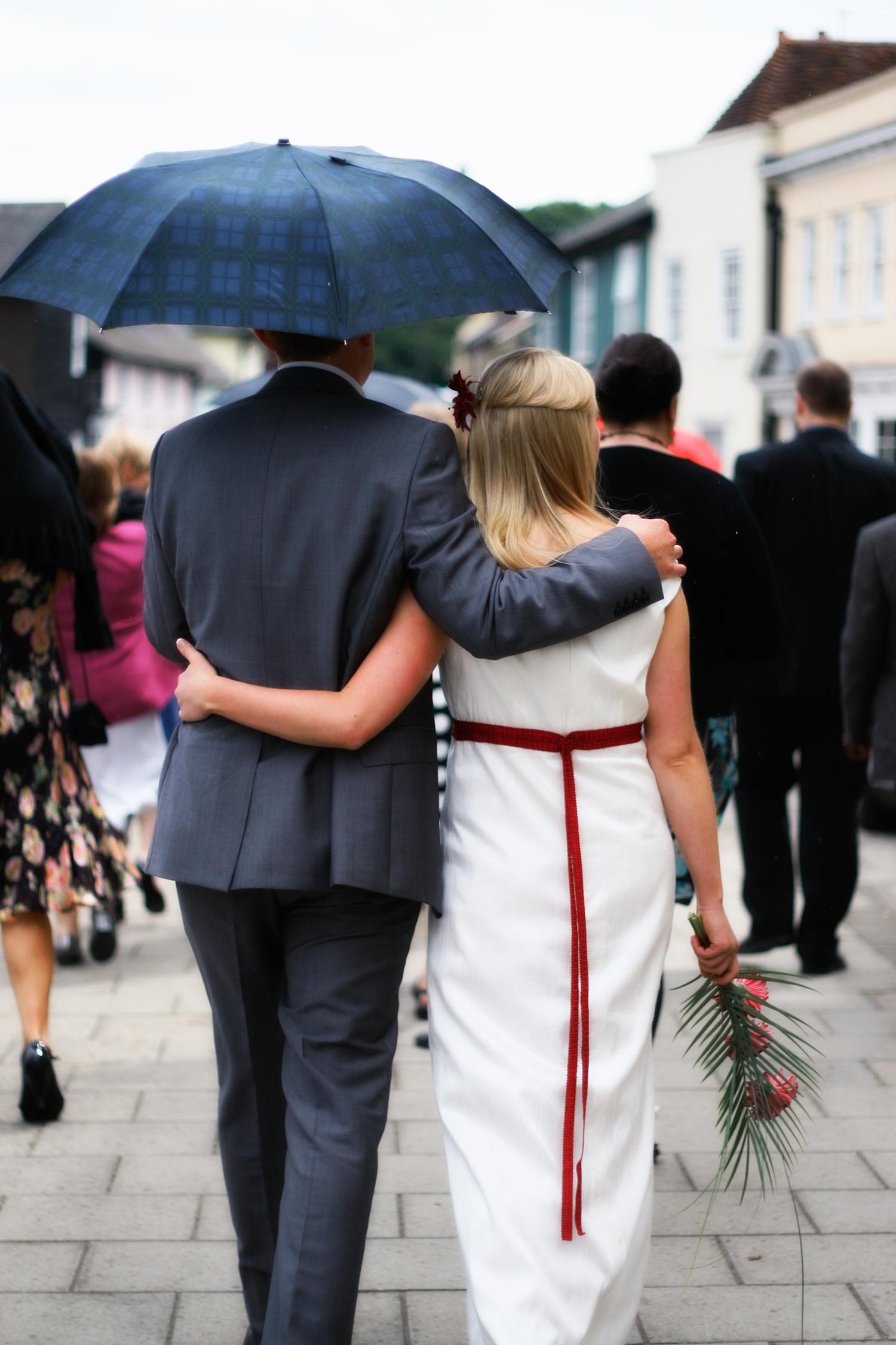 wedding-groom-bride-back.jpg
