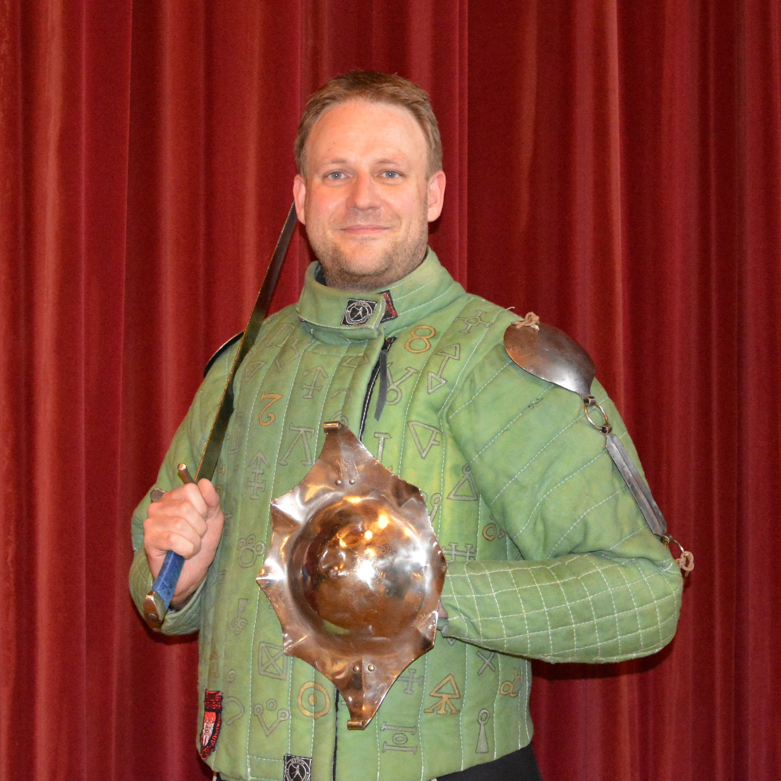 Christoph Busche - Committee Member and Co-Founder of Glasgow HEMADisciplines Studied: German Longsword, Messer and DussackA chemist working in research at the University of Glasgow, I started practicing HEMA in 2012. At the beginning focusing on longsword in the German / Lichtenauer tradition. Later expanding into Messer fencing, particularly from the Glasgow Fechtbuch and the Lecküchner manuscripts and more recently Dussack as well.