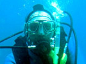 BOD_2008_Terry_Hodgkins_diving.jpg