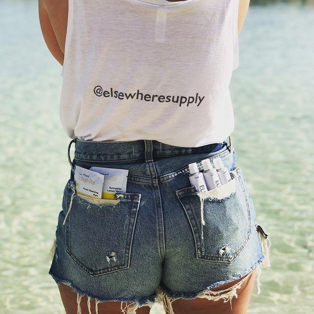Suns out, buns out, gang. . . . . . #findyourelsewhere #goelsewhere #girlswhotravel #viewfromthetop #fromwhereistand #wanderlust #instatravel o#ontheroad #whereintheworld #wheretofindme #offthemap #womenwanderers #worldwandering #travelgirls #thetravelwoman #girlsmeetglobe #travelhacks#travelblogger#travelsize #minishampoo #minibottles #travelsize #tsaapproved #traveler #nextstop #thedailyadventureer #roadwarrior