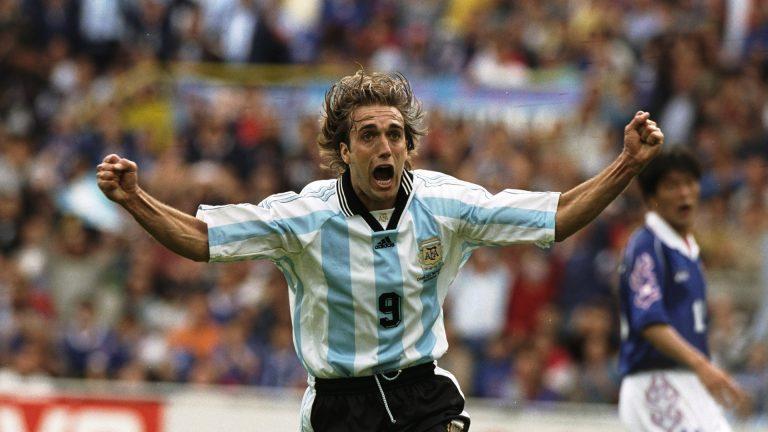 Πανηγυρισμός του Gabriel Batistuta με τα χρώματα της Αργεντινής
