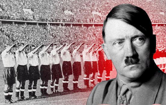 Ο Αδόλφος Χίτλερ (στο φόντο φασιστικός χαιρετισμός σε ποδοσφαιρικό αγώνα)