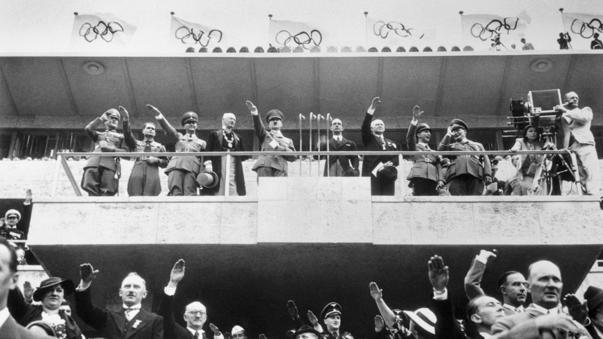 hitler-1942-world-cup.jpg
