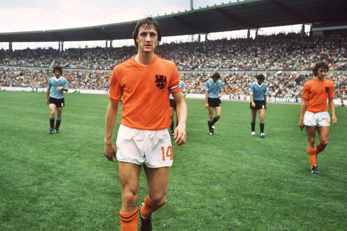Ο Johan Cruyff με τα χρώματα της Εθνικής Ολλανδίας