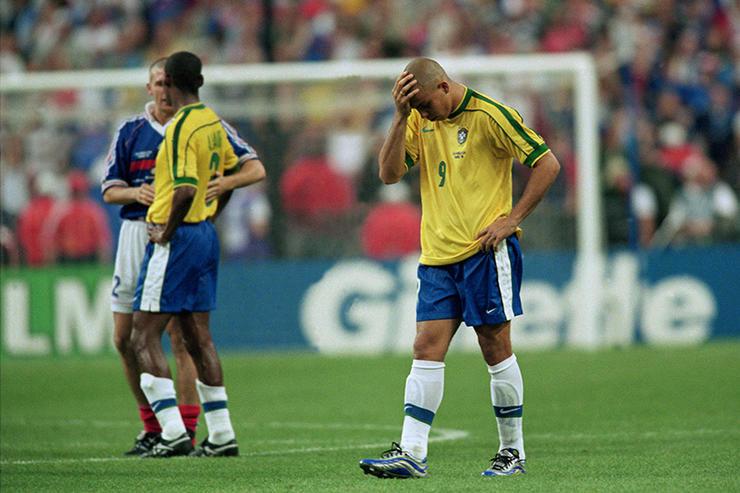Απογοητευμένος Ronaldo στον τελικό του 1998