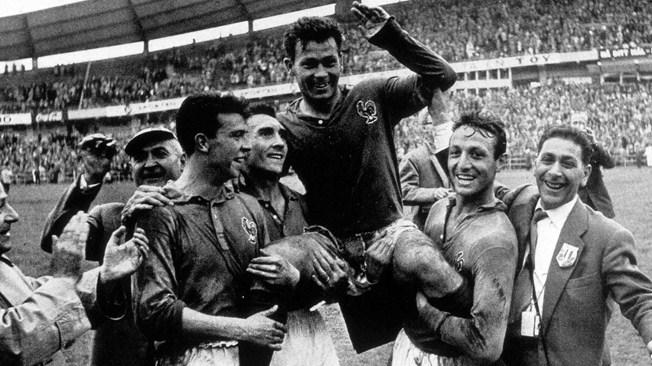 Ο Just Fontaine στο Παγκόσμιο Κύπελλο του 1958.