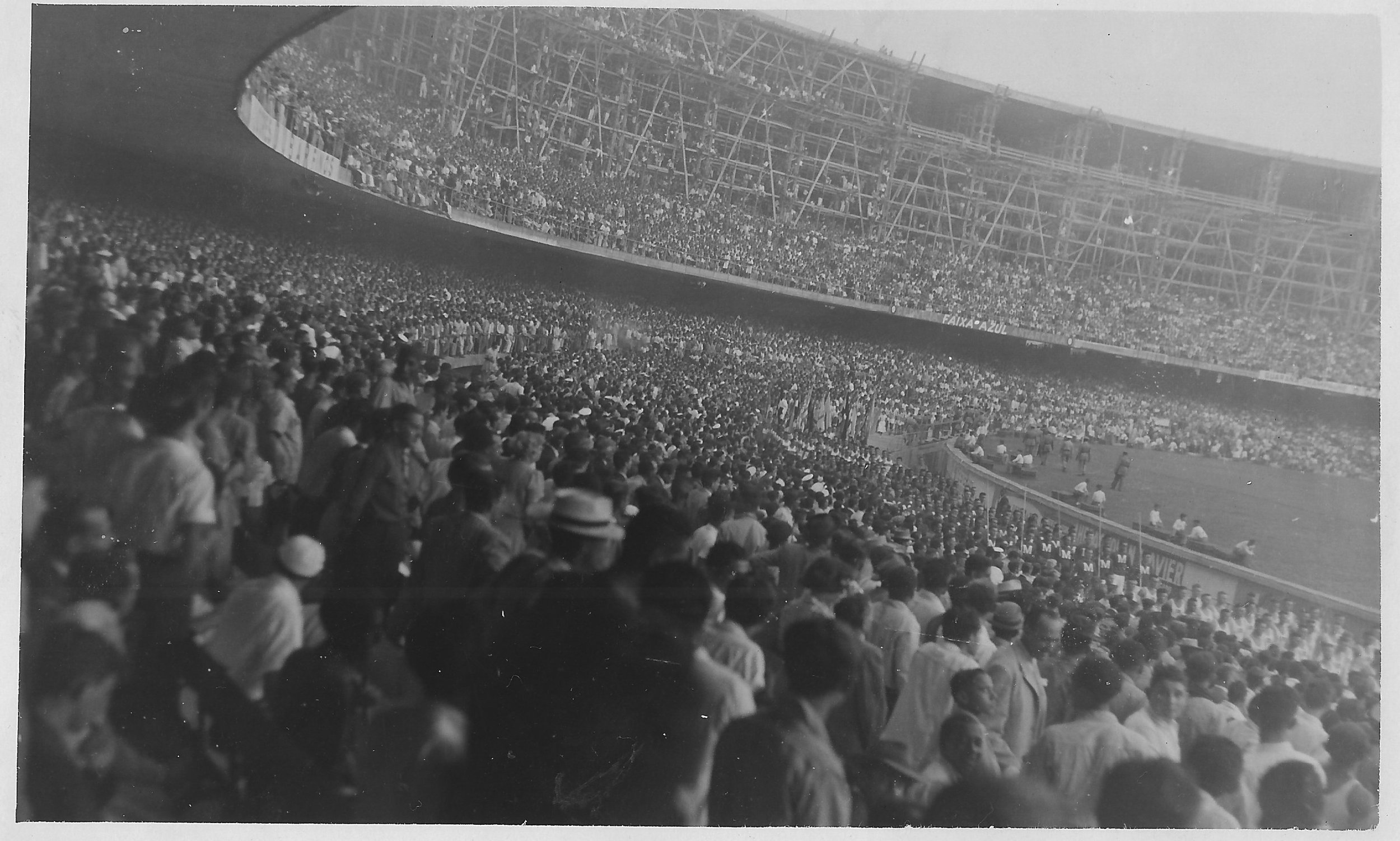 Οι φίλαθλοι στις εξέδρες του τελικού του 1950 στο Maracana