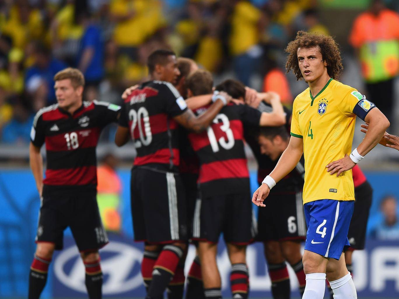 Απογοητευμένος ο David Luiz μετά από γκολ της Γερμανίας