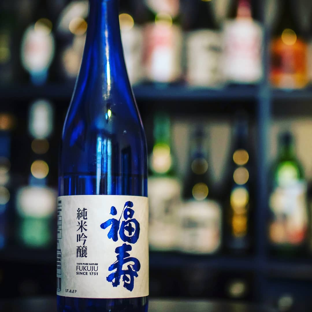 "Tonight we're sipping Fukuju Junmai Ginjo, light and approachable with subtle nudge of umami. This one falls into that wonderful ""so smooth you accidently finished your glass"" catagory! #sake #nihonshu #junmaiginjo #fukuju #hyogo #sakemonday #日本酒 #純米吟醸 #福寿 #酒乾杯 #乾杯 #saketotheworld #sakekanpai"