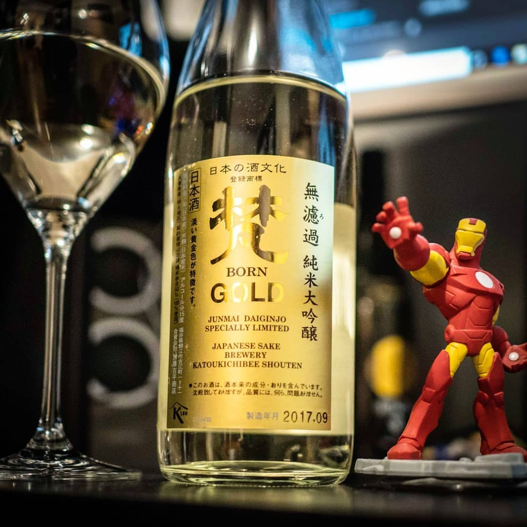 Elegant, light, and very easy to drink, it doesn't take much to understand why the Born brand is legendary. Gotta love Born Gold. #Borngold #sake #junmaidaiginjo #junmaidaiginjyo #sakesaturday #sakesaturdays  #nihonshu #日本酒 #fukui #fukuisake #disneyinfinity #ironman #tonystark #純米大吟醸