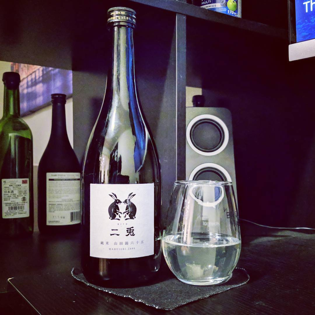 """Tasting some Nito """"Two Rabbits"""" Junmai, with Yamadanishiki milled to 65 percent, and features a light, yet deceptively complex flavor Very interesting! #sake #nito #junmai #純米酒 #山田錦 #二兎"""