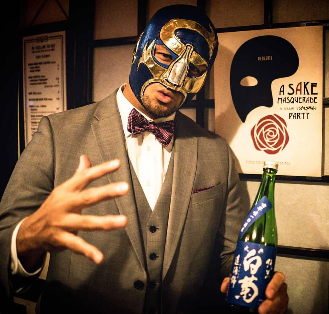 Sake slinging judoka, Sakaman Blue at Hi-Collar's Sake Masquerade last Sunday night  #sake  #kuramoto   #gosakeman  #sakeman (at HI-Collar)
