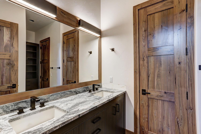 65 Aerie Drive Silverthorne CO-large-039-28-Bathroom-1500x999-72dpi.jpg