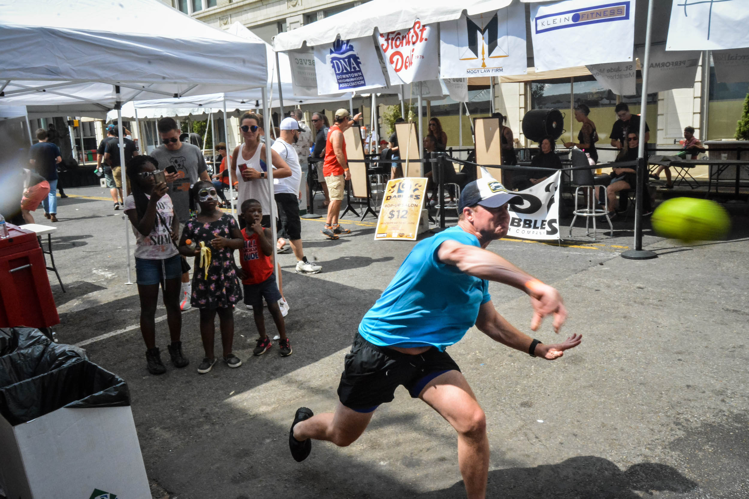 Monroe Avenue Festival Bardog Block Party 0230.jpg