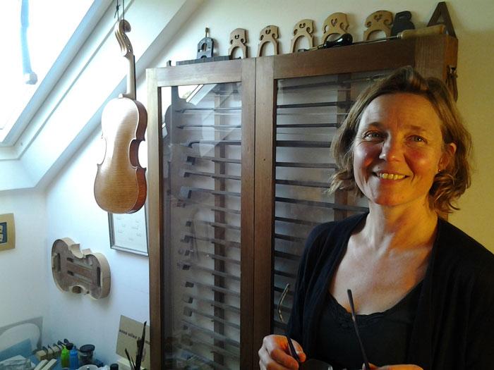 anna-tummers_violinandbowmaker.jpg