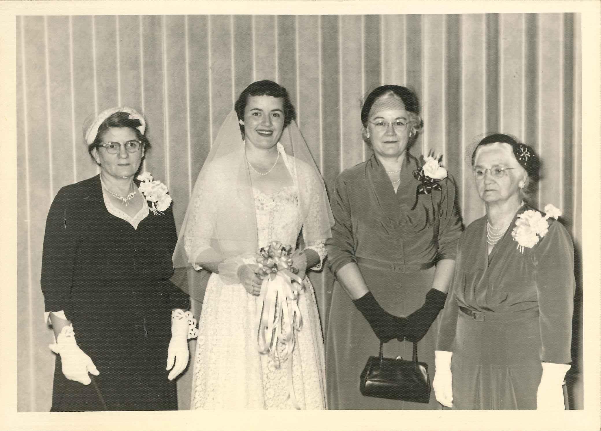 Hellen Woodward (far left)