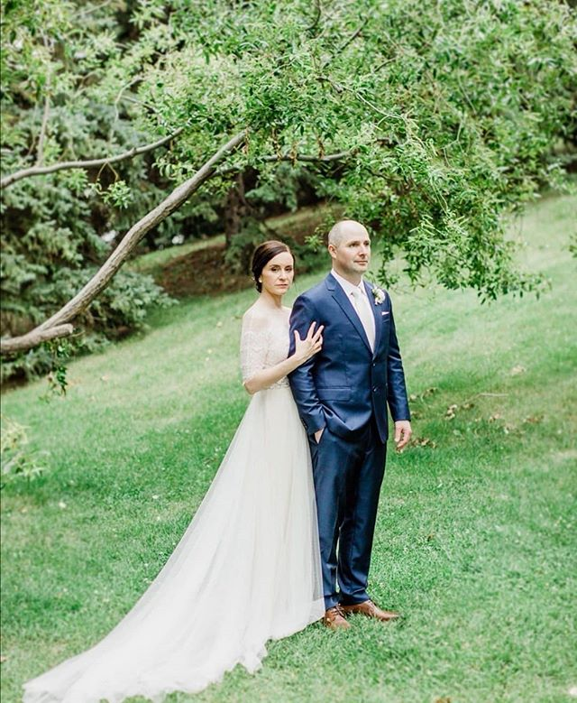 Lisa & I were neighbors growing up. Our parents still live next door to each other. When she ventured home from Calgary to shop at our store last summer, I was so excited. We were so very honored to play a small part in her special day.  This dress totally looks like it was made for her & we couldn't be more obsessed 😍