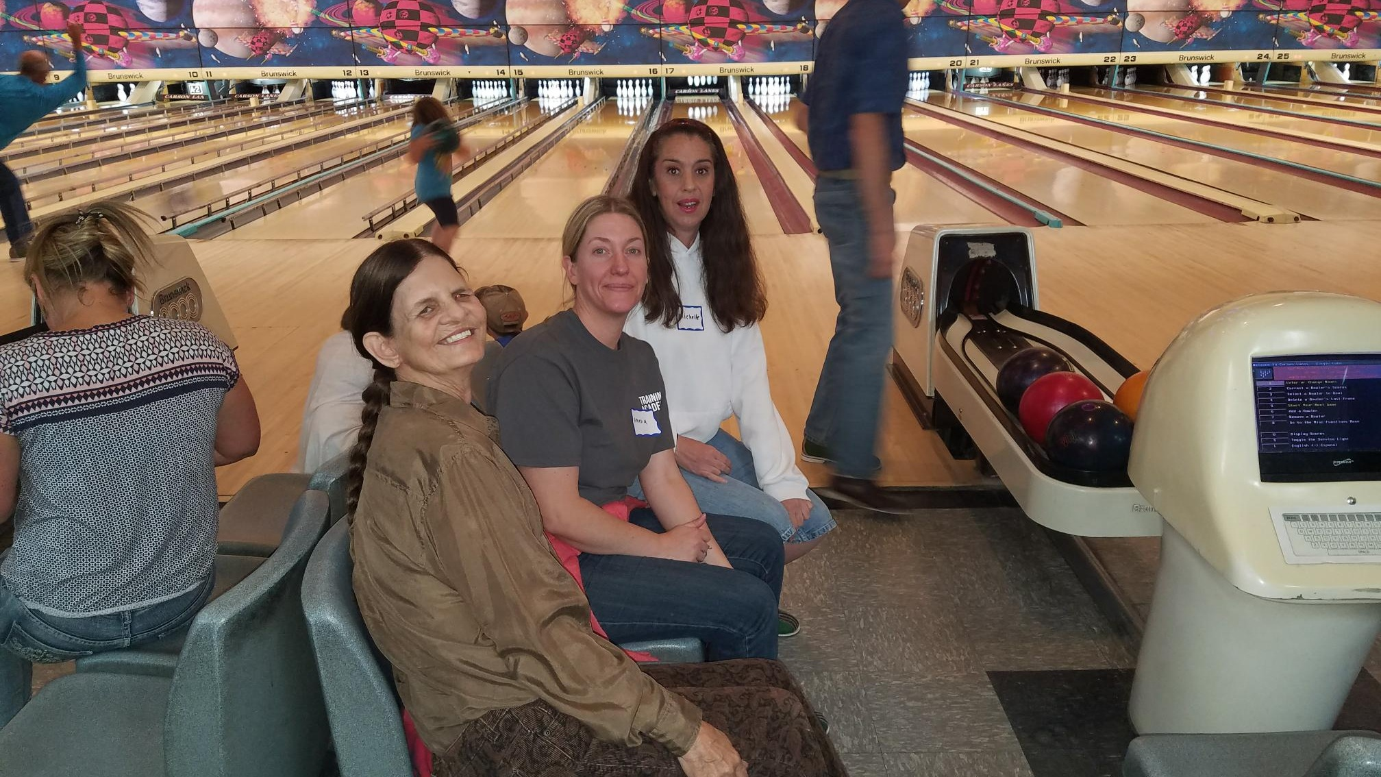HIANN survivors and members enjoy a friendly bowling tournament and pizza party.