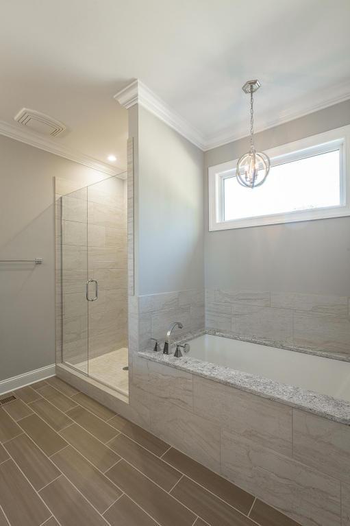 7849-eden-ct-bathroom-02.jpg