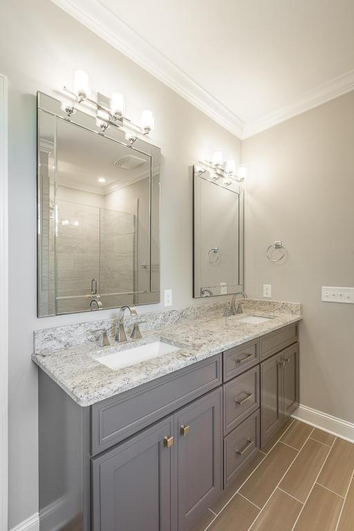 7849-eden-ct-bathroom-03.jpg