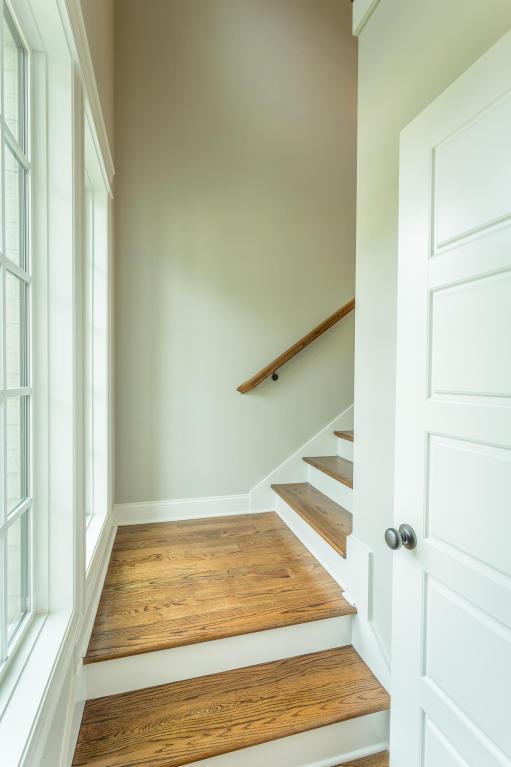 7862-eden-ct-stairwell.jpeg