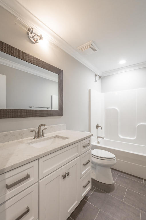 7855-eden-ct-bathroom-04.jpeg