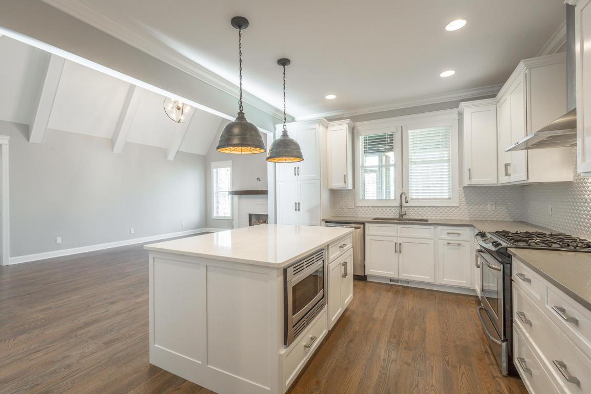 7855-eden-ct-kitchen-05.jpeg