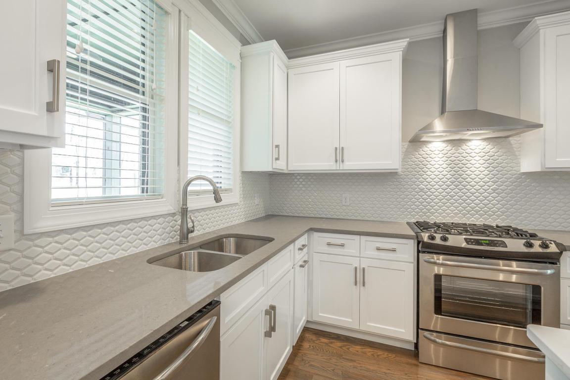 7855-eden-ct-kitchen-07.jpeg