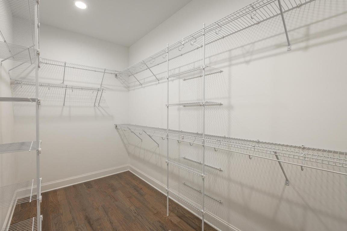7855-eden-ct-walkin-closet.jpeg