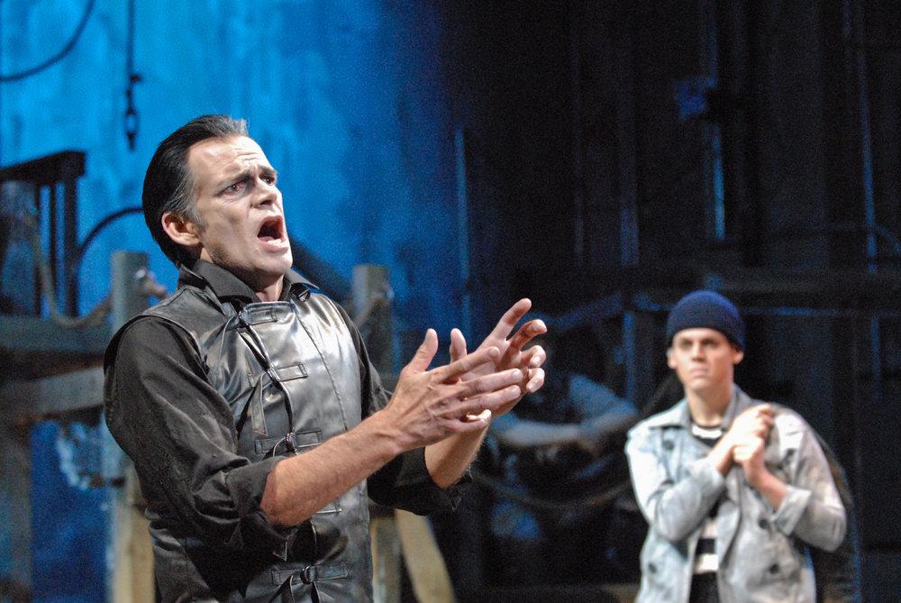SWEENEY TODD: THE DEMON BARBER OF FLEET STREET, Theater Latté Da, Ritz Theater 2015