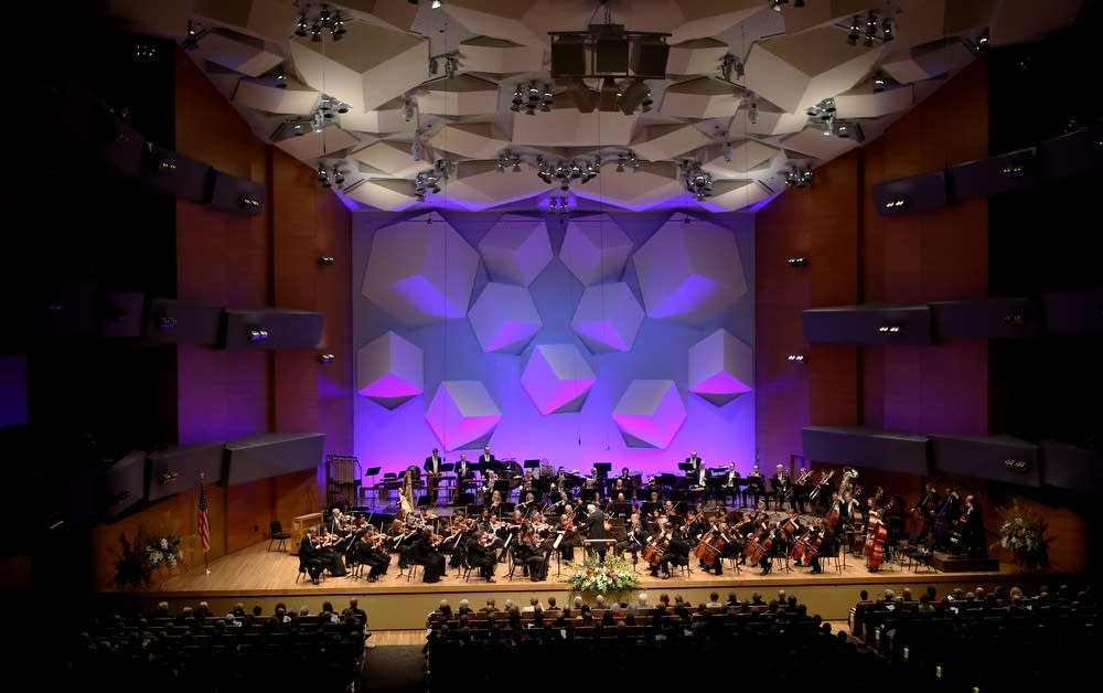 2cf0e2-20140208-minnesota-orchestra-musicians-play.jpg