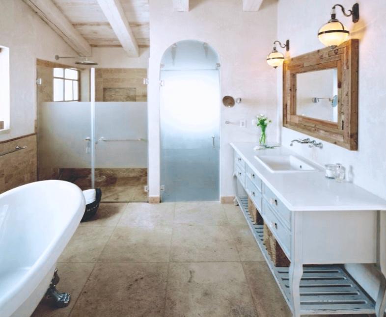 Bathroom - 1.jpg