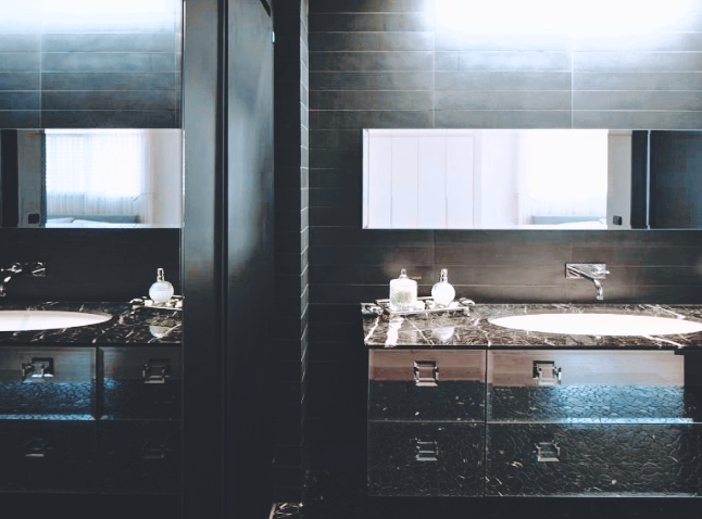 Bathroom - 3.jpg