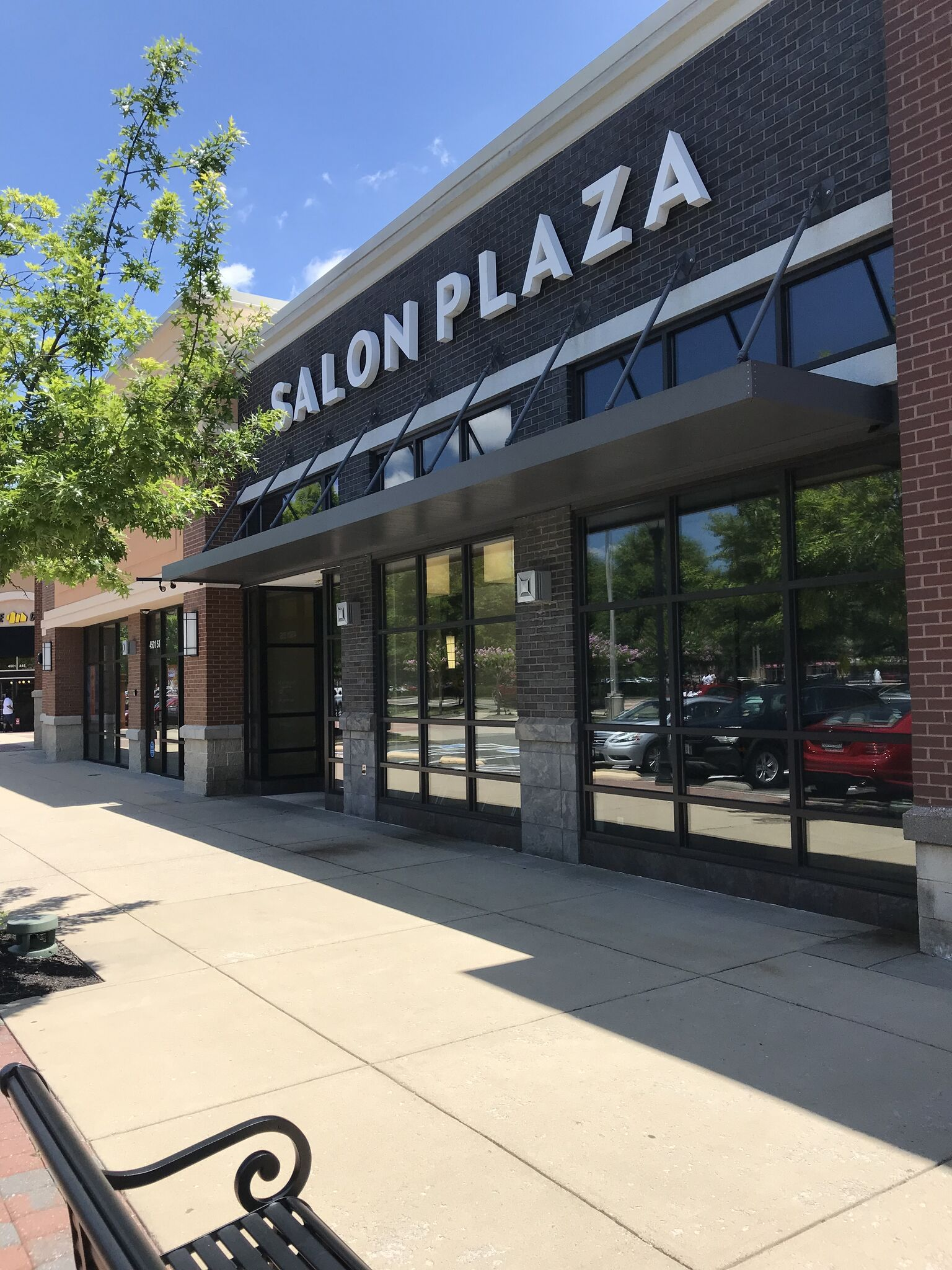 salon-plaza-white-oak-village.jpg