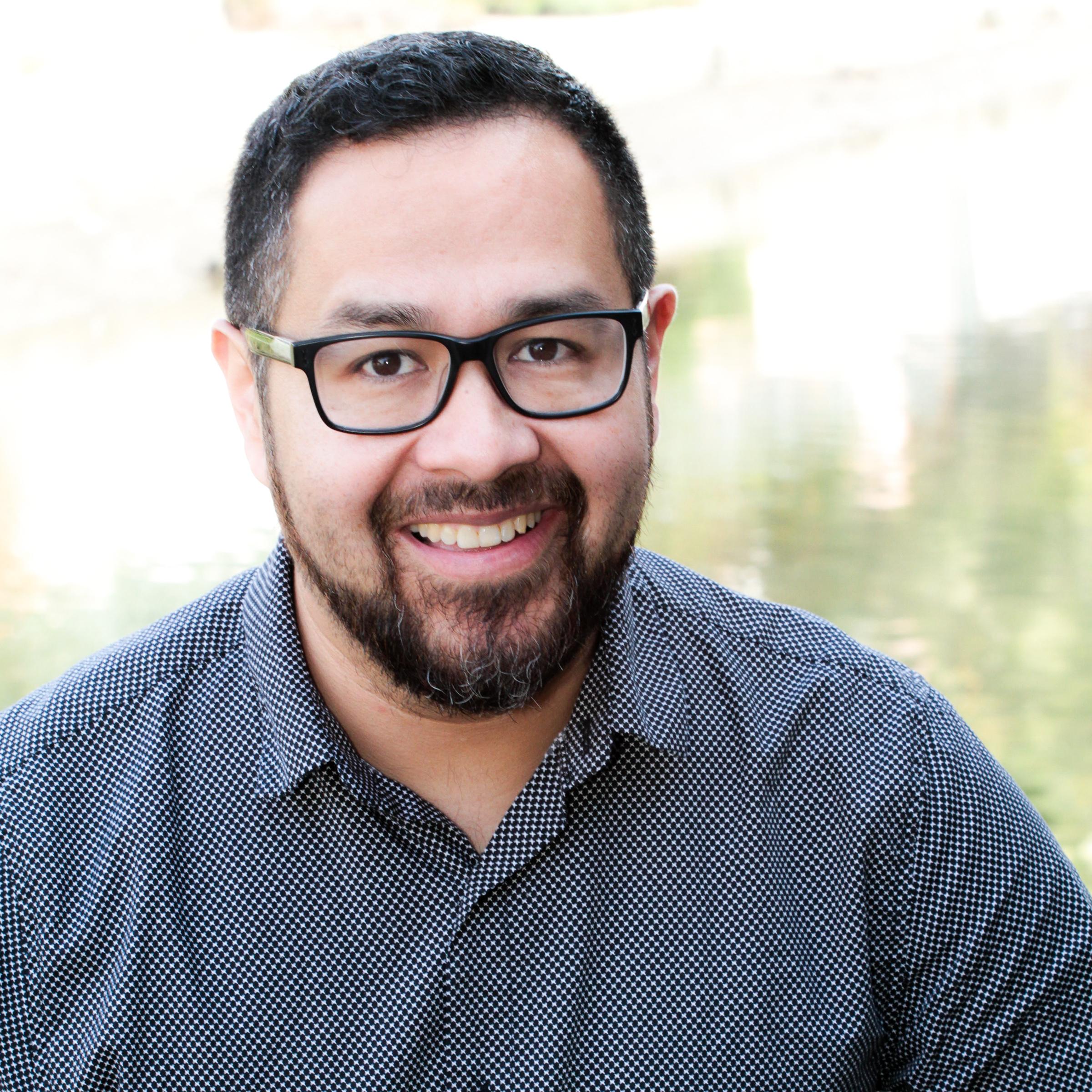 Jose Oliva Headshot.jpg