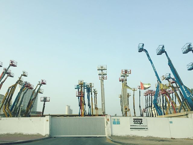 #Dubai...where even the cherry pickers compete to be the tallest.  #cinemagrapher #onmywaytowork