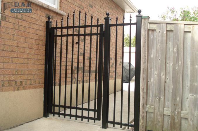 4_feet_aluminum_gate_and_finial_fencing-1.jpg