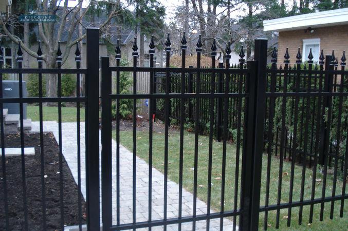aluminum_fencing_and_gates2.jpg