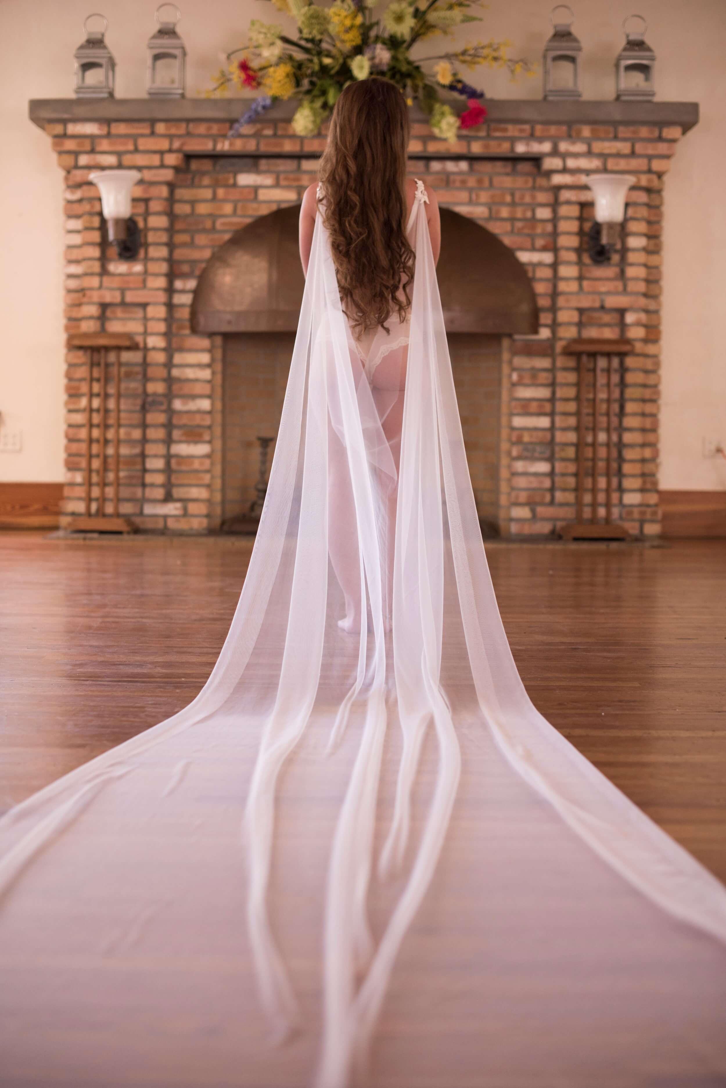Bridal Boudoir by Graciela Valdes Photography (15).jpg