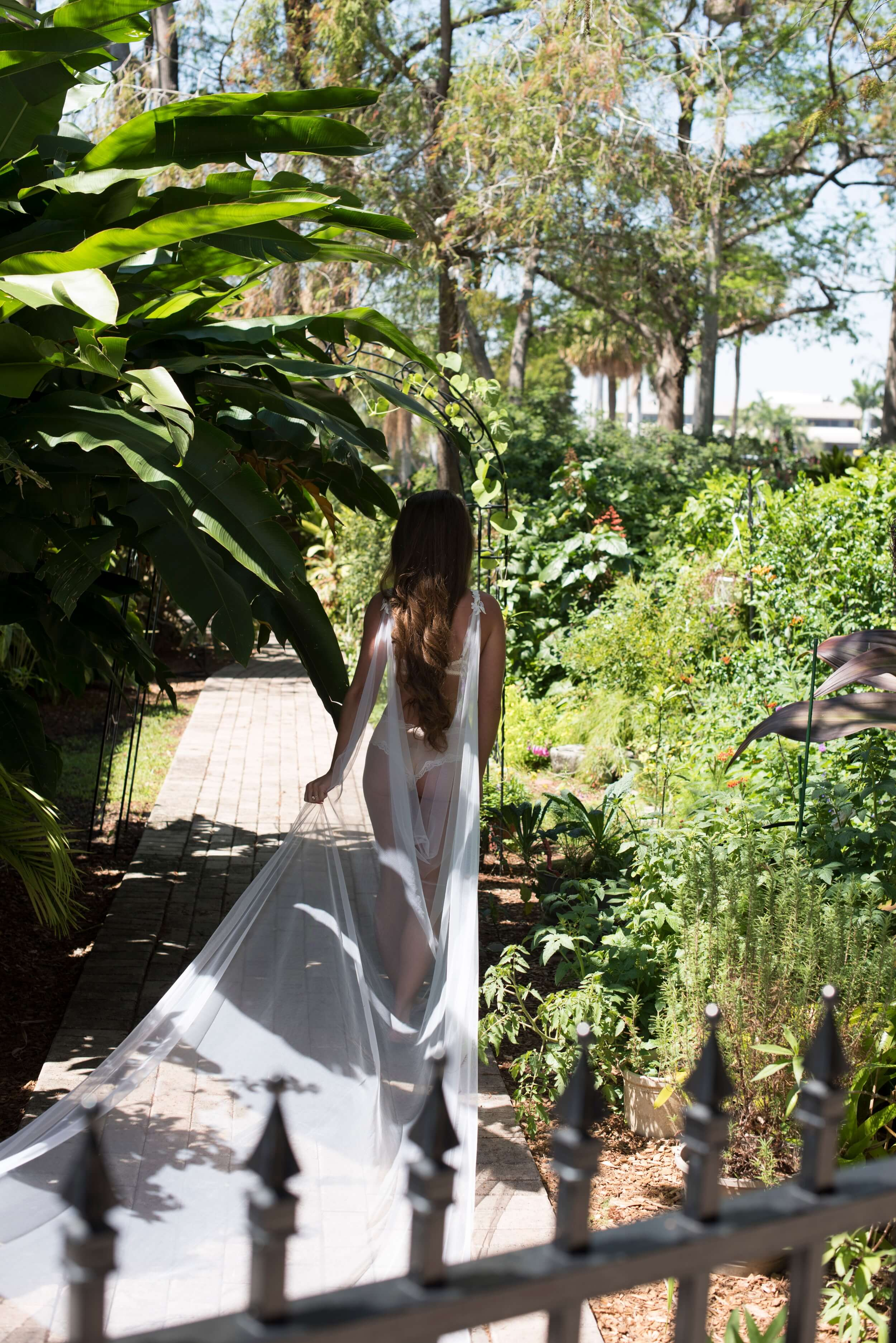 Bridal Boudoir by Graciela Valdes Photography (20).jpg