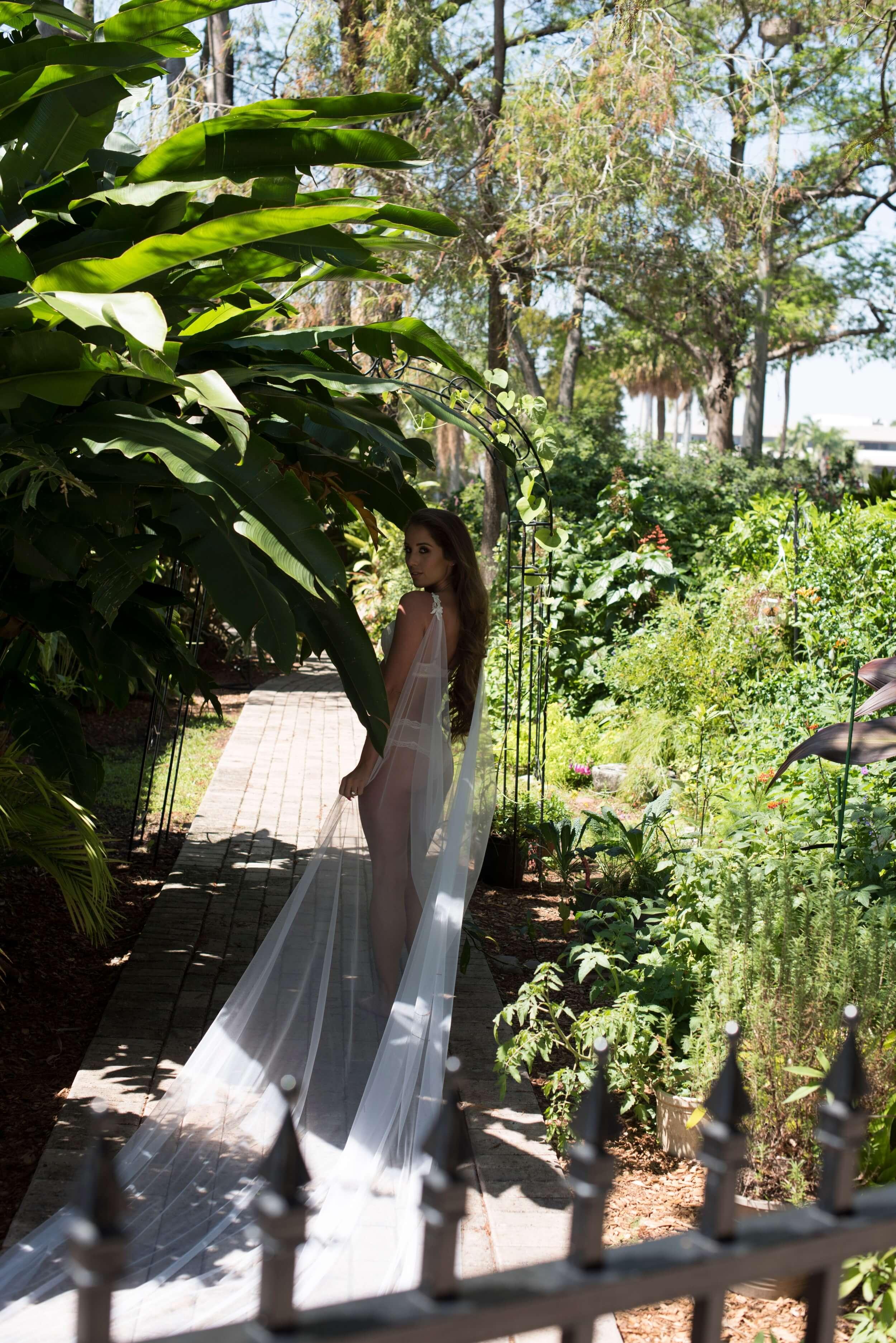 Bridal Boudoir by Graciela Valdes Photography (21).jpg
