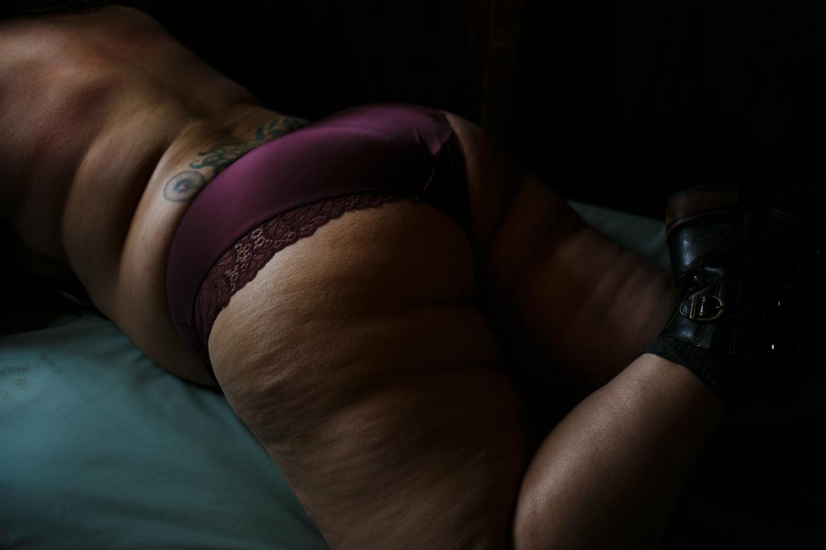 Graciela-Body-Positive-Boudoir-Portland-AlchemyPortraits-052.jpg