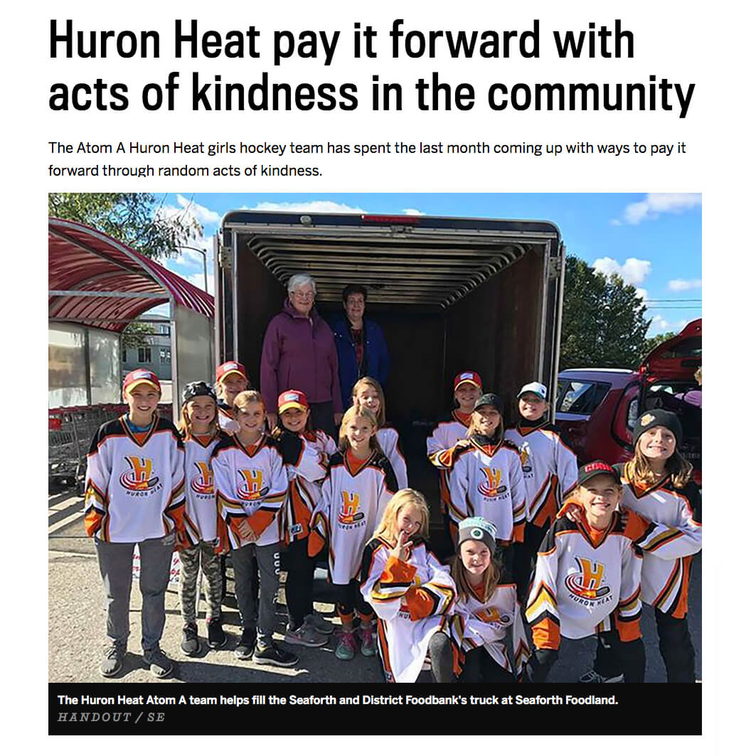 Girls Hockey Team Pays it Forward