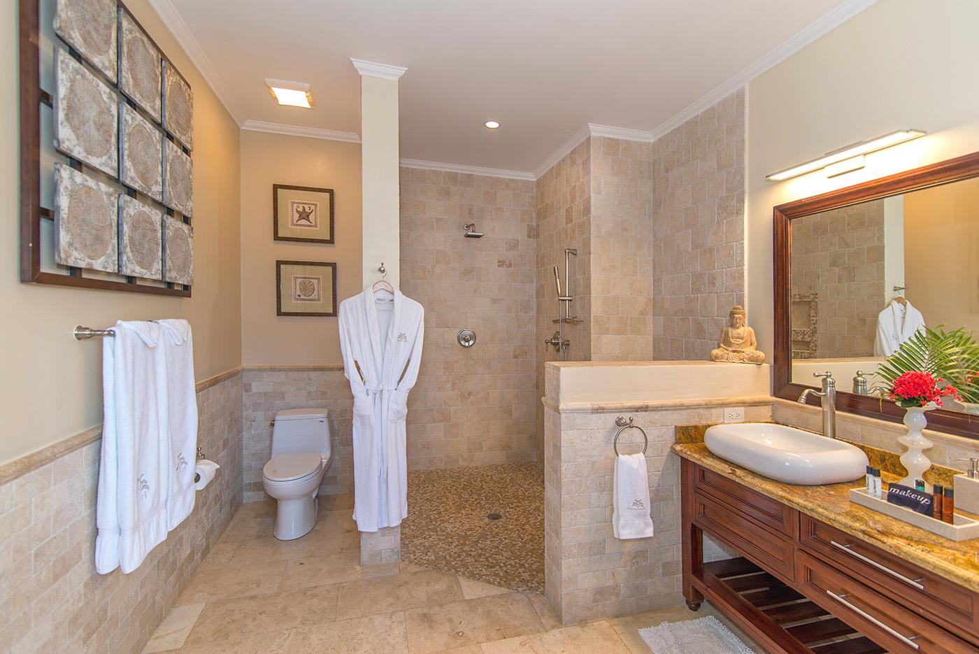 Montego Bay En Suite Bath