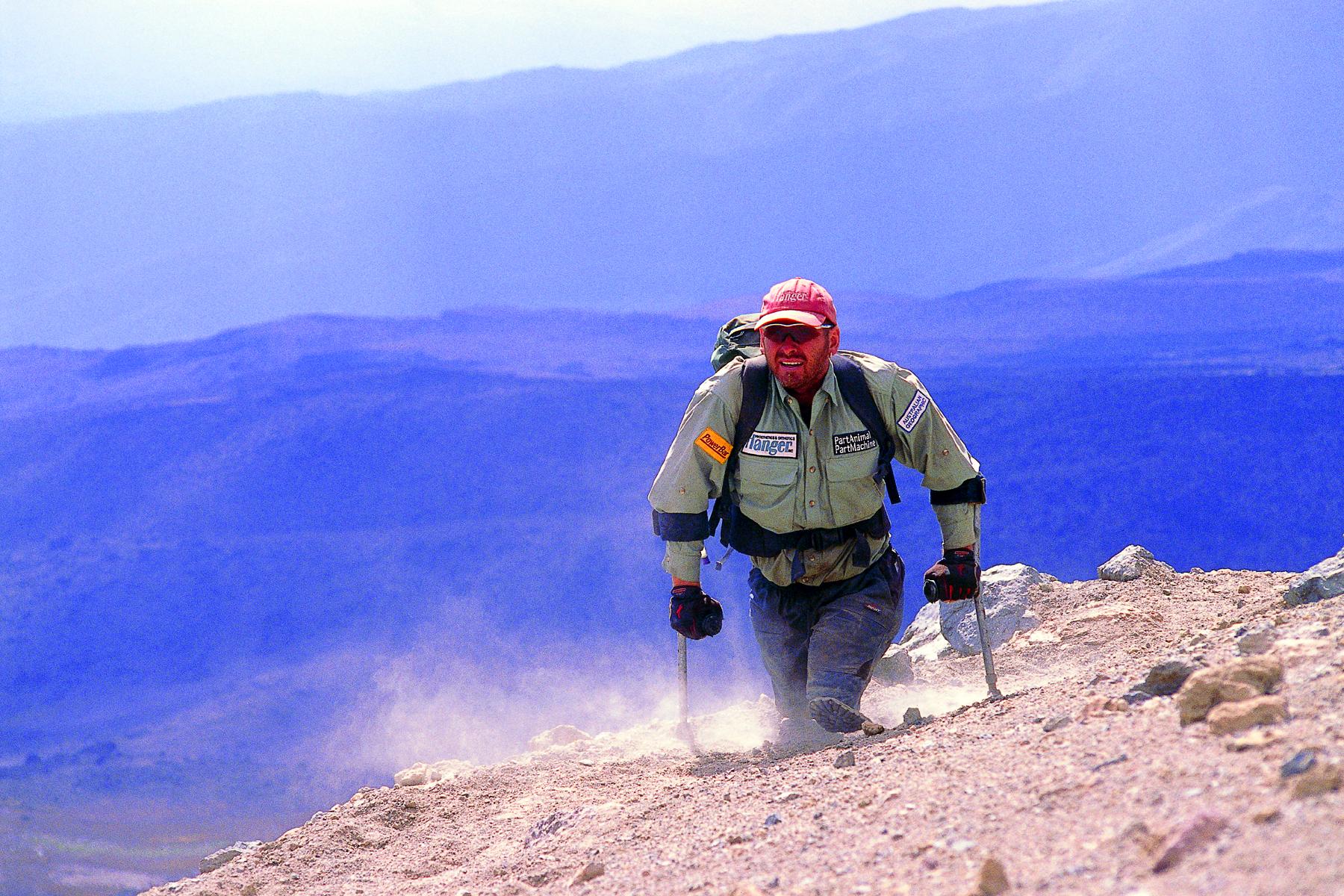 Warren Macdonald,Mount Kilimanjaro (3.4 MB)