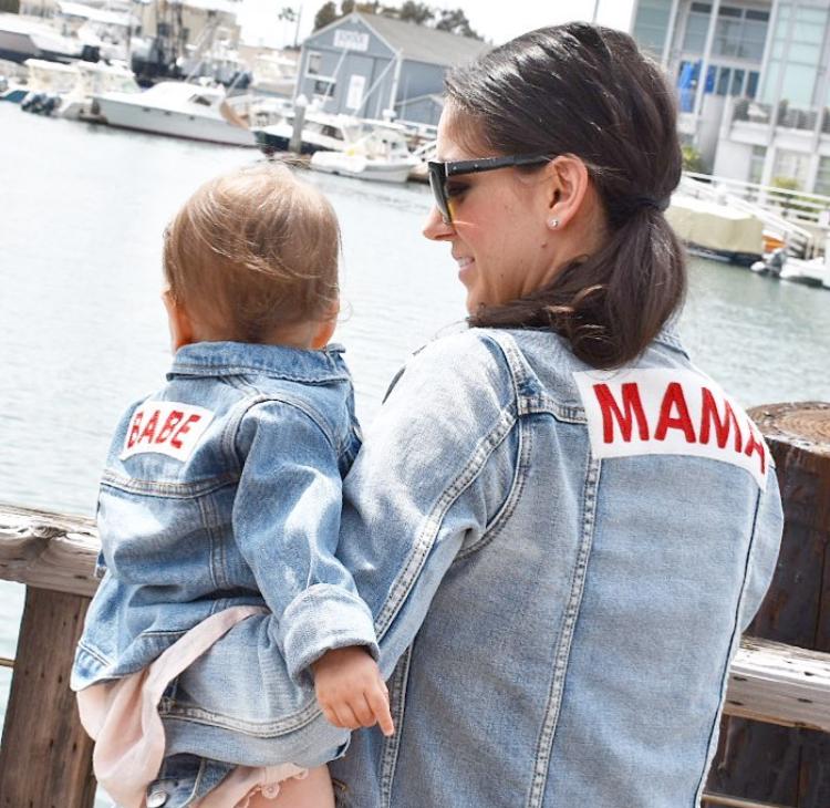 Mama Denim Jacket / Ingrid & Isabel Maternity • @kristen_louise_smith