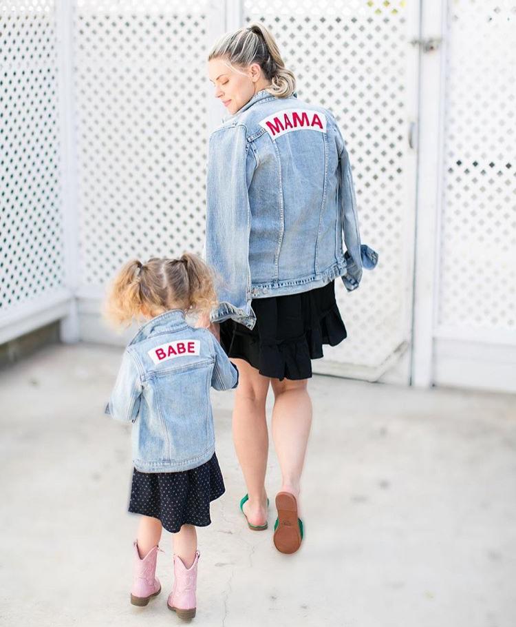 Mama Denim Jacket / Ingrid & Isabel Maternity • @thechicmamas