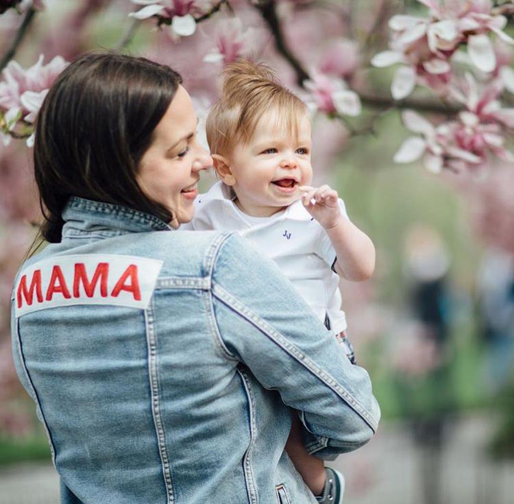 Mama Denim Jacket / Ingrid & Isabel Maternity • @allisondarie
