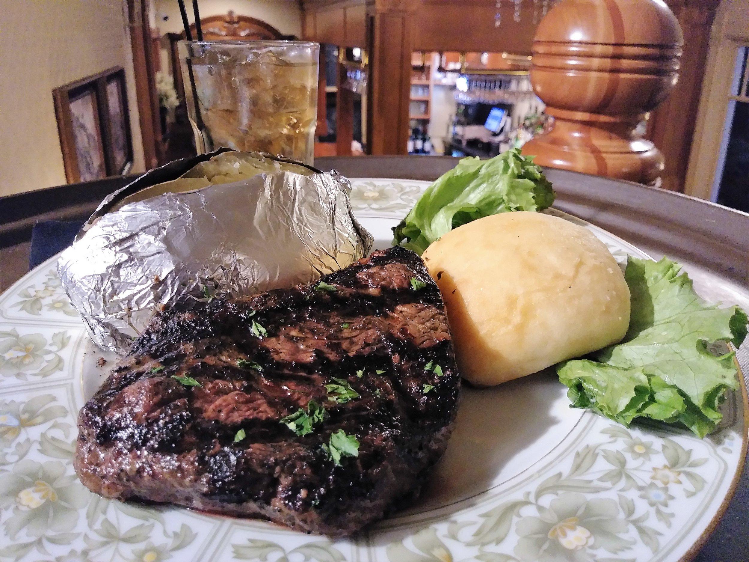 top sirloin - Choice 8 ounce top sirloin cooked to your desire $15.99